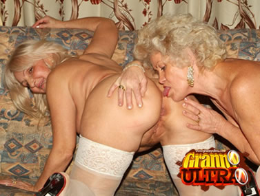Grannies in Stockings Licking Cunts